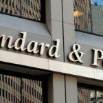 Ο οίκος αξιολόγησης S&P αναβάθμισε την Ελλάδα από Β- σε Β