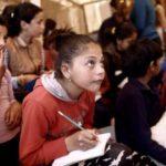 Προσφυγόπουλα στο σχολείο: Ένα πρωτόγνωρο εγχείρημα