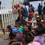 Τo καραβάνι των μεταναστών από την Ονδούρα συνεχίζει την πορεία του αψηφώντας τις απειλές Τραμπ