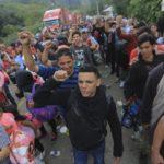 Περισσότεροι από 7.000 άνθρωποι στο «καραβάνι» των μεταναστών προς τις ΗΠΑ